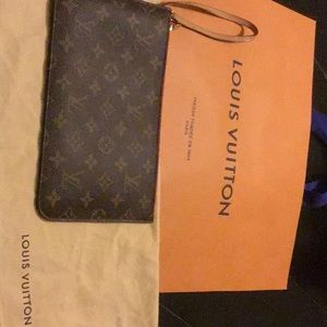 LV Neverfull Pochette MM - EXCELLENT CONDITION.